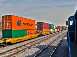 Railroads tout trains over trucks in climate pitch to Biden