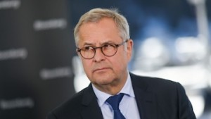 No real sign of inflation risk in world economy, Maersk CEO says