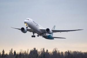WestJet Dreamliner launches first revenue flight