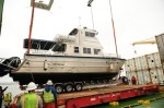 Hamburg Süd loads passenger Catamaran for American Samoa