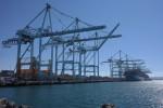 Ship to shore cranes at the Port of LA
