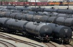 Canada oil-train boom may thwart winter crude price slump