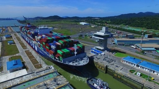 Discover the CMA CGM Theodore Roosevelt's video of the Panama Canal.