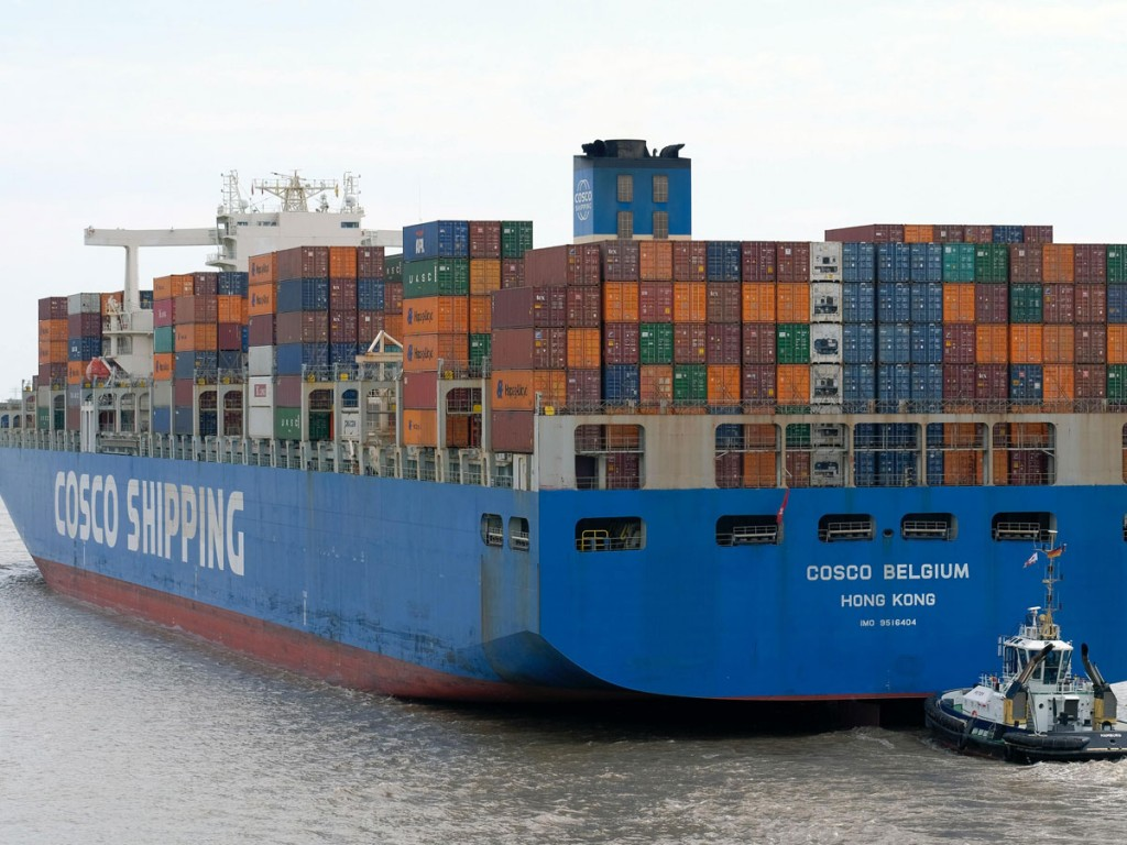 Container ship towage - credit: Unsplash