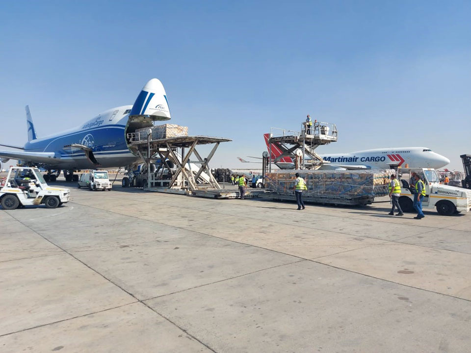 Loading operation of urgent cargo at Cairo International Airport