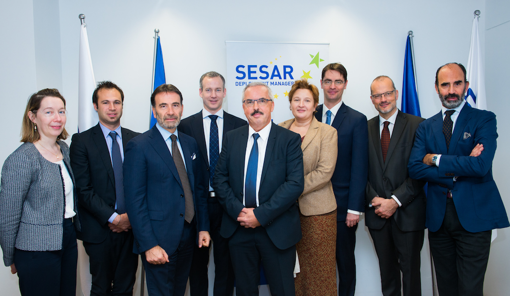 Present at the signing were representatives from INEA, SESAR DM, and the European Commission.
