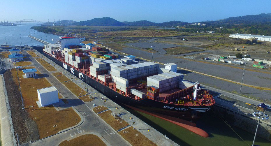 MSC Anzu as it transits the Cocoli Locks (Pacific side), becoming the 1,000th Neopanamax ship to transit the Expanded Canal.