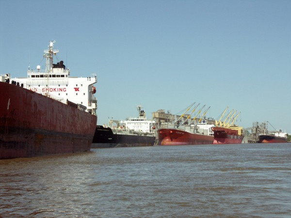 Port of South Louisiana river traffic of more than 4,500 vessels per year depend on the unencumbered flow of the Mississippi River