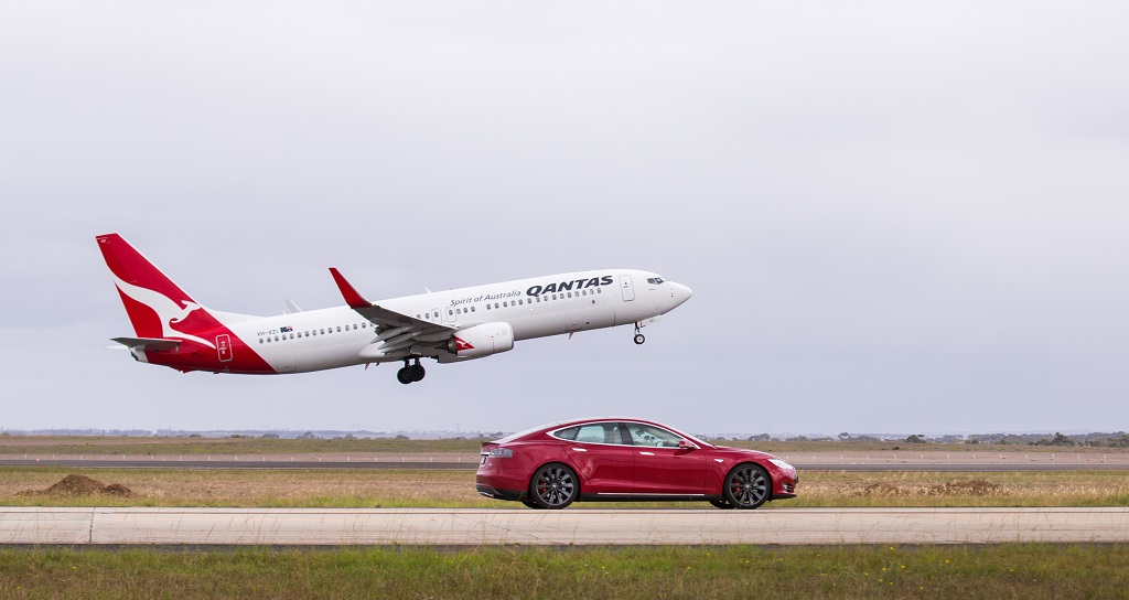 Car Vs Plane Fasten Your Seatbelts Batteries Included Ajot Com
