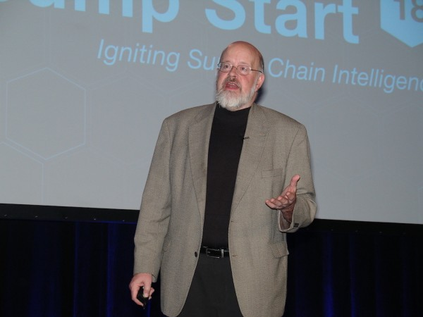 Terry Jones, chairman of travel industry startup Wayblazer, provides the opening keynote at SMC3's Jump Start '18 in Atlanta. (Photo by Paul Scott Abbott, AJOT)