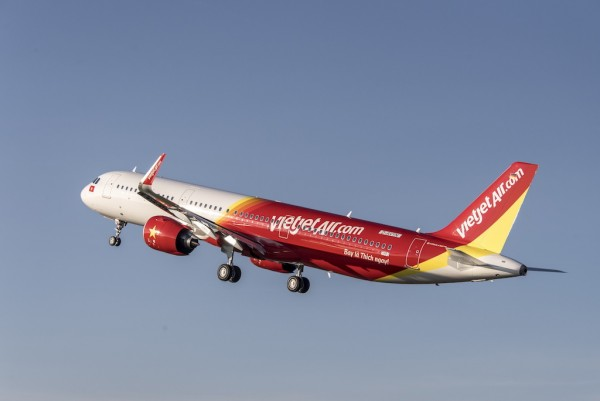 "Vietjet introduces first A321neo ""new-engine option"" aircraft to"